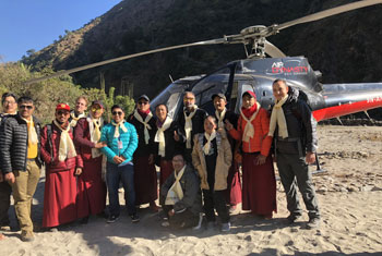 kedhar's team of volunteer doctors in nepal
