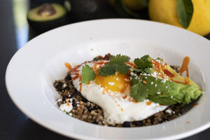quinoa bowls with egg and avocado