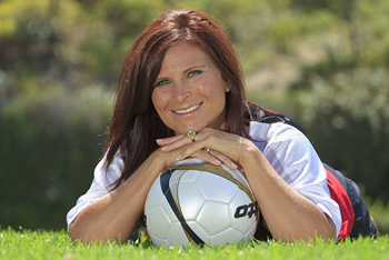 Becky Spears, a soccer-playing mother of three, undergoes robotic surgery at UC Irvine to remove a suspicious mass from her fallopian tube.