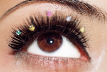 ugly clumpy eyelashes With high school prom andUgly Clumpy Eyelashes