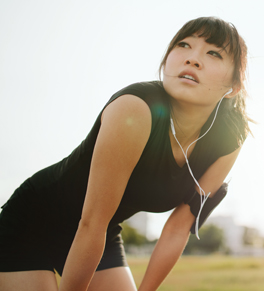 woman running and in pain