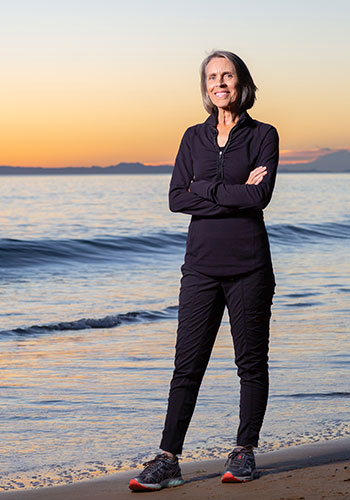 Leslie Ginsberg is back to running long distances after her treatment for ovarian cancer at UCI's Chao Family Comprehensive Cancer Center.