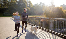 couple jogging to maintain weight loss